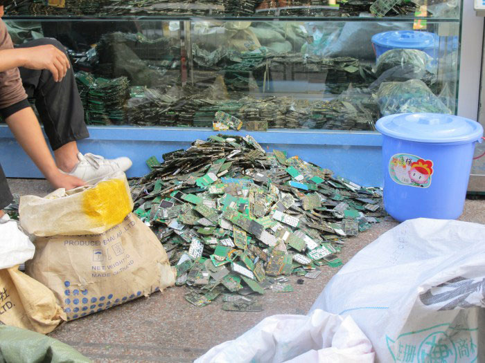 #3: Handy Recycling in China